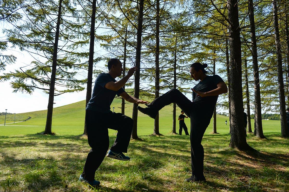 太気拳では戦う為の具体的な技法とともに、全てのベースとなる武術的な心身、すなわち「在り方」を整えることを何よりも重視します。